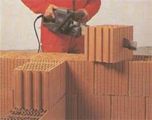 Кладка стены с применением керамического поризованного блока. Прэкты загородных домов.