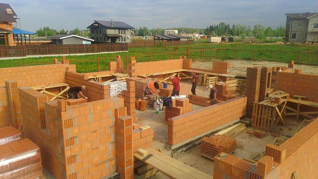 Строительство дома по проекту компании ДвижущаяСИЛА из керамических блоков Керакам Кайман